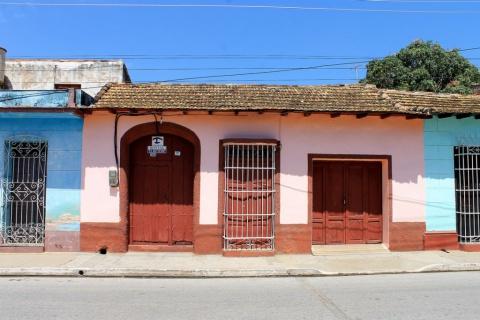 Front_view_of_the_Hostal_El_Hecticom_in_the_city_of_Trinidad_In_Cuba