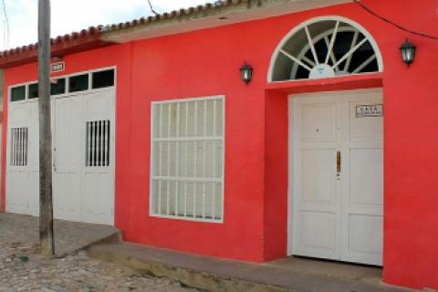 Front_view_of_the_B&B_Casa_La_puerta_del_Sol_in_the_city_of_Trinidad_in_Cuba