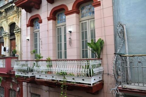 La_casa_de_Juan_y_Blanca_en_la_ciudad_de_La_Habana_en_Cuba