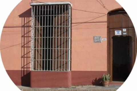 Fachada_de_la_Casa_Hostal_Marta_Martinez_en_la_ciudad_de_Trinidad_en_Cuba