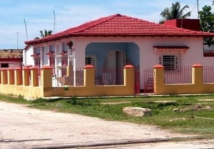 Primera_vista_de_la_casa_particular_Hostal_Rebeca_y_Silvia_en_la_ciudad_de-Trinidad-Cuba